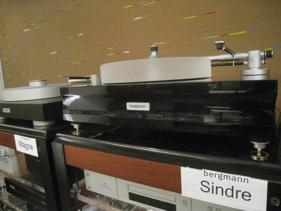 Bergmann Sindre turntable was cartridge mounted and ready to roll
