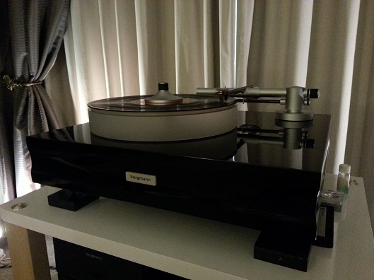 Latest Bergmann Sindre turntable with vacuum hold-down